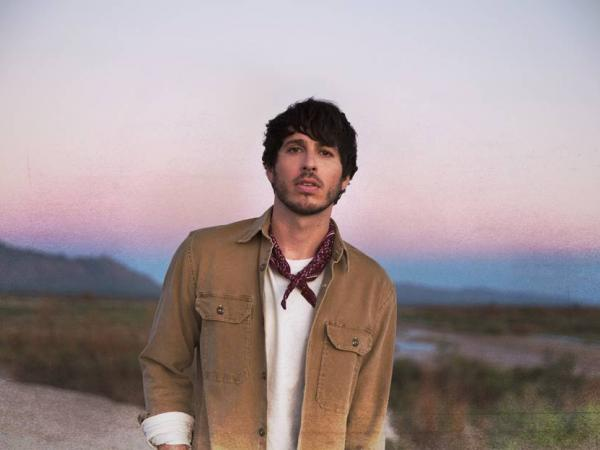 MORGAN EVANS SPEAKS HIS TRUTH IN NEW DOCUSERIES: THE HIGHWAY 1 SESSIONS